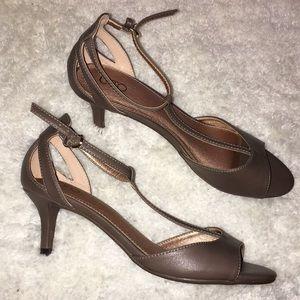 Thong-like heels *BNWOT*
